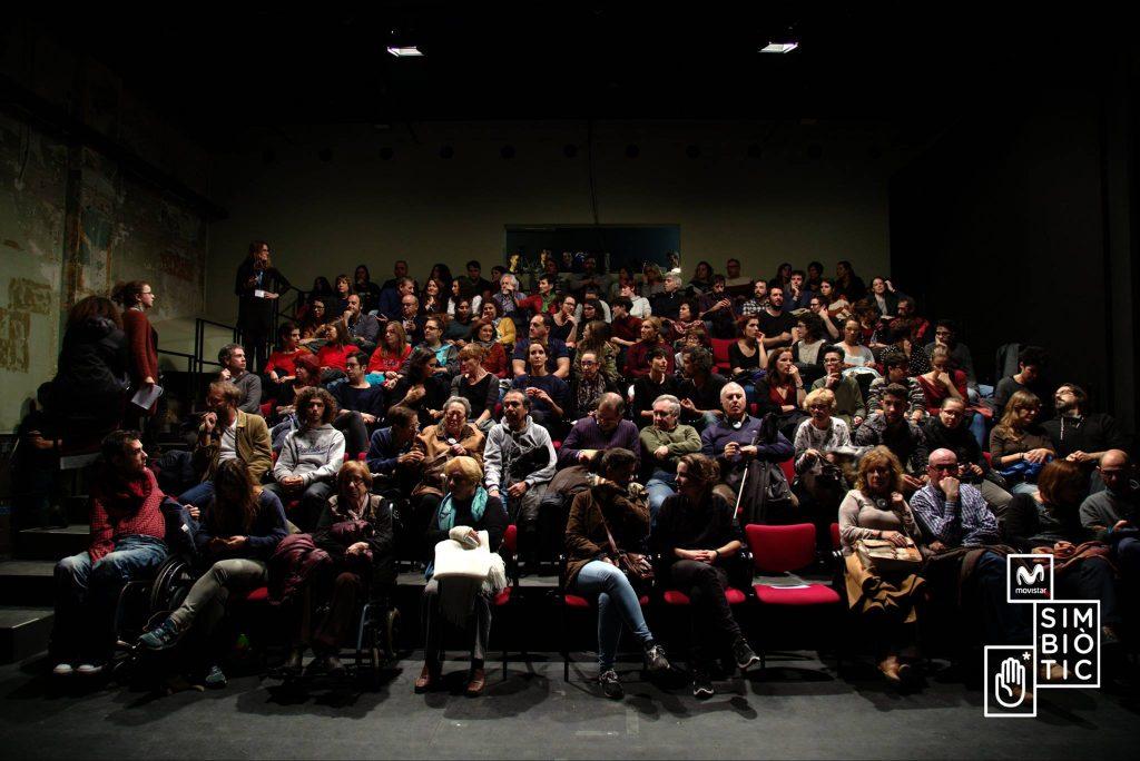 Amb gairebé tot el públic a punt per començar l'Escena Simbiòtica de la tarda.